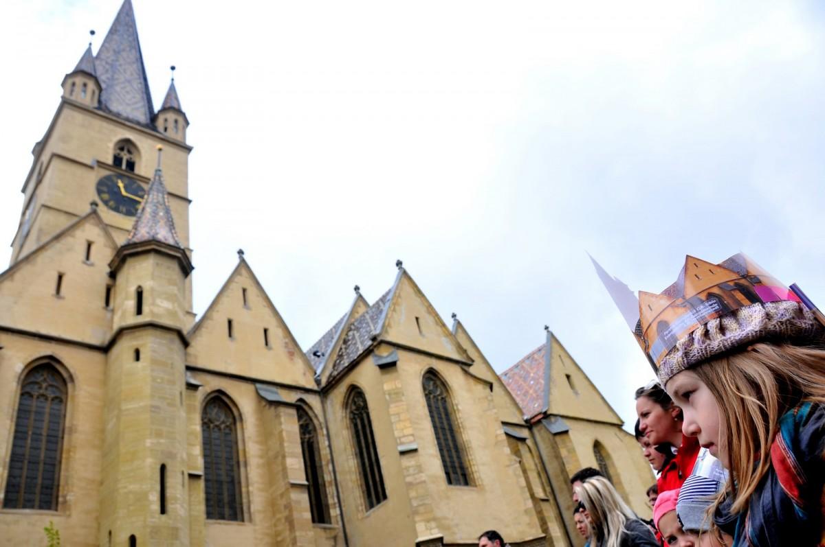 Marș la Sibiu: rugăciune pentru națiune în sunet de fanfare