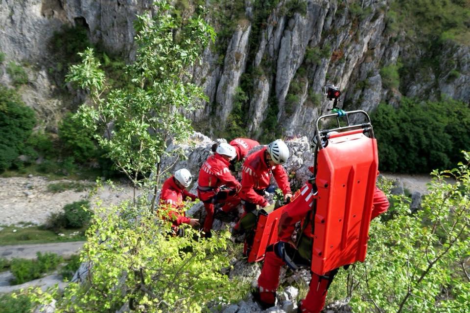 ACTUALIZARE Un alpinist a dispărut în munți. Este căutat și cu elicopterul