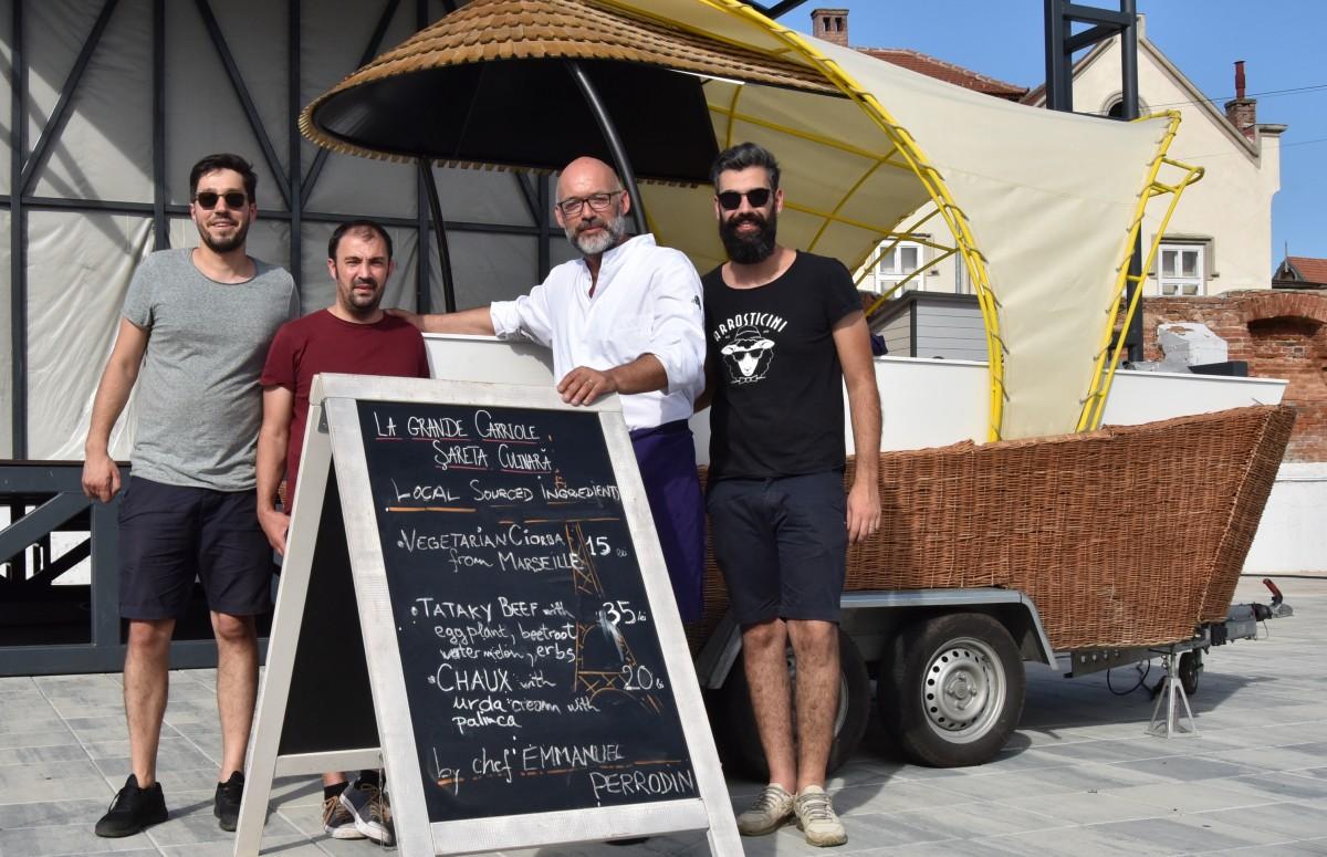 Cu ce au mai venit francezii-n FITS: cu o șaretă culinară și un chef care-a gătit din Piața Cibin