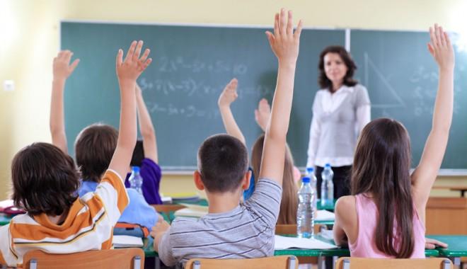 Peste 320 de posturi din învățământ rămân neocupate cu două săptămâni înaintea începerii anului școlar