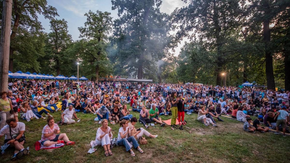 """Concerte de top, mâncare bună și miniparc de distracții în weekend la """"Sibiul de Odinioară"""" – Pe scenă urcă Hara, Celelalte Cuvinte, Ducu Bertzi și mulți alții"""