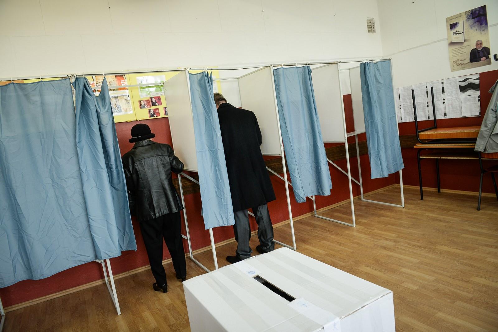 Cine alege administraţia Sibiului: femeile de peste 45 de ani, cea mai mare prezență la vot