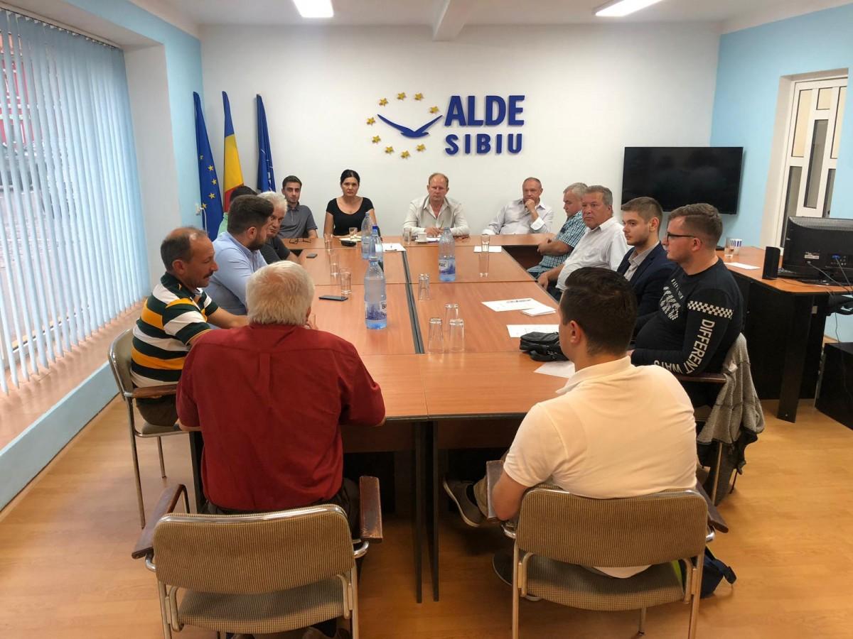 """ALDE Sibiu anunță prea devreme racolarea de membri. """"Azi suntem în ALDE, dar nu știu până când"""""""