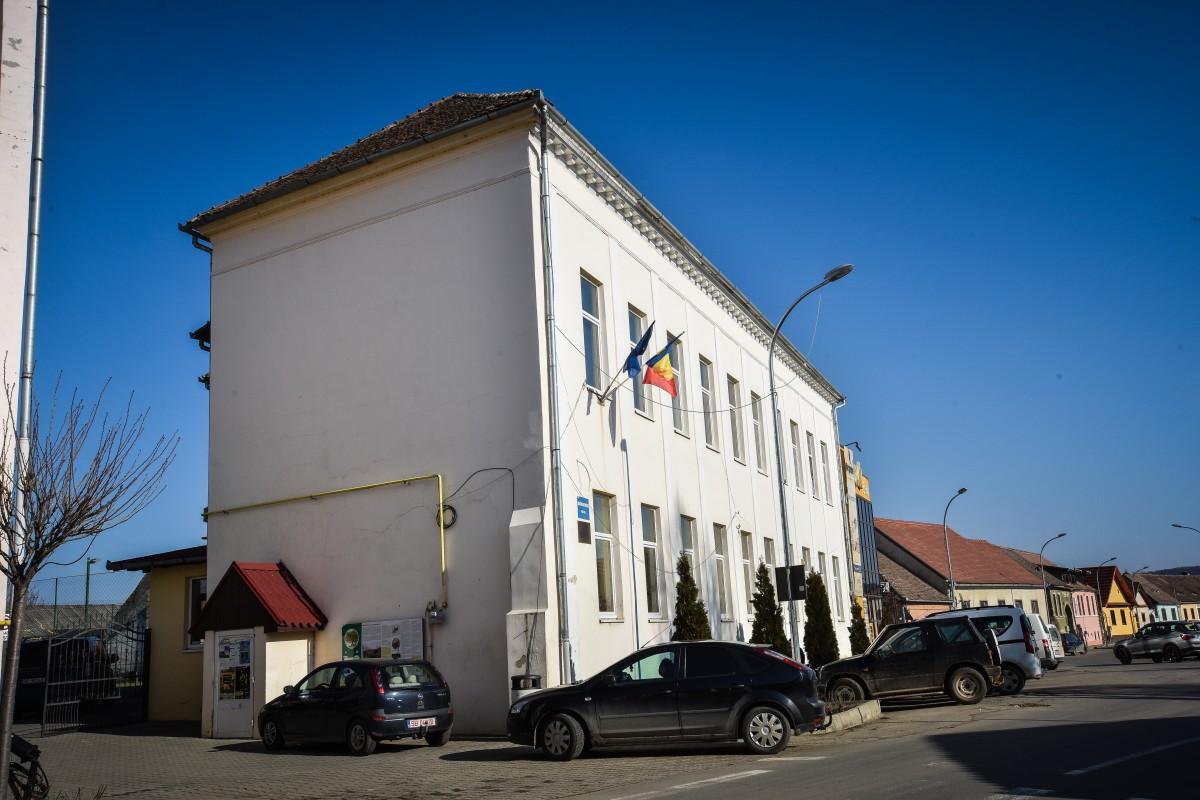 Șpagă cerută la Șelimbăr: 10.000 de euro pentru concesiunea unui teren