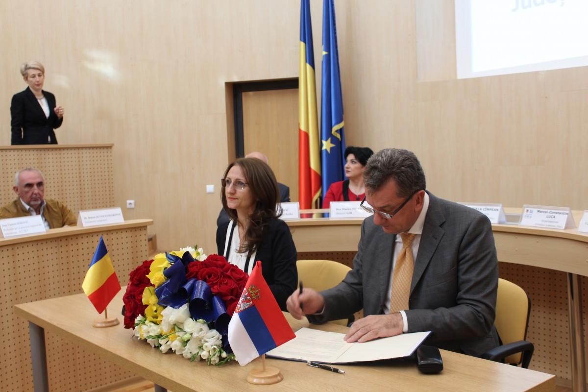 CJ Sibiu: acord cu un district din Serbia în speranța unor proiecte europene