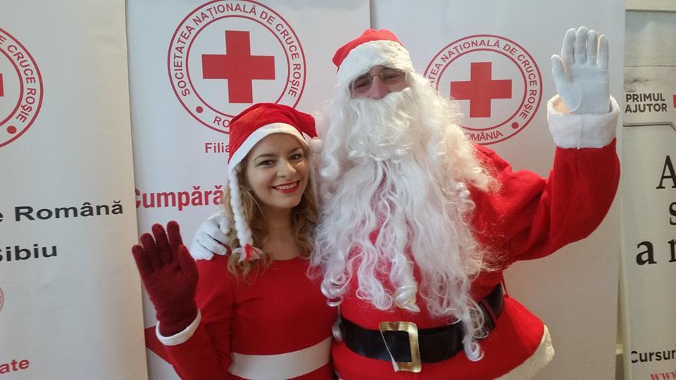 Crucea Roșie Sibiu îl trimite pe Moș Crăciun sibienilor și în acest an. Alături de Crăciunițe