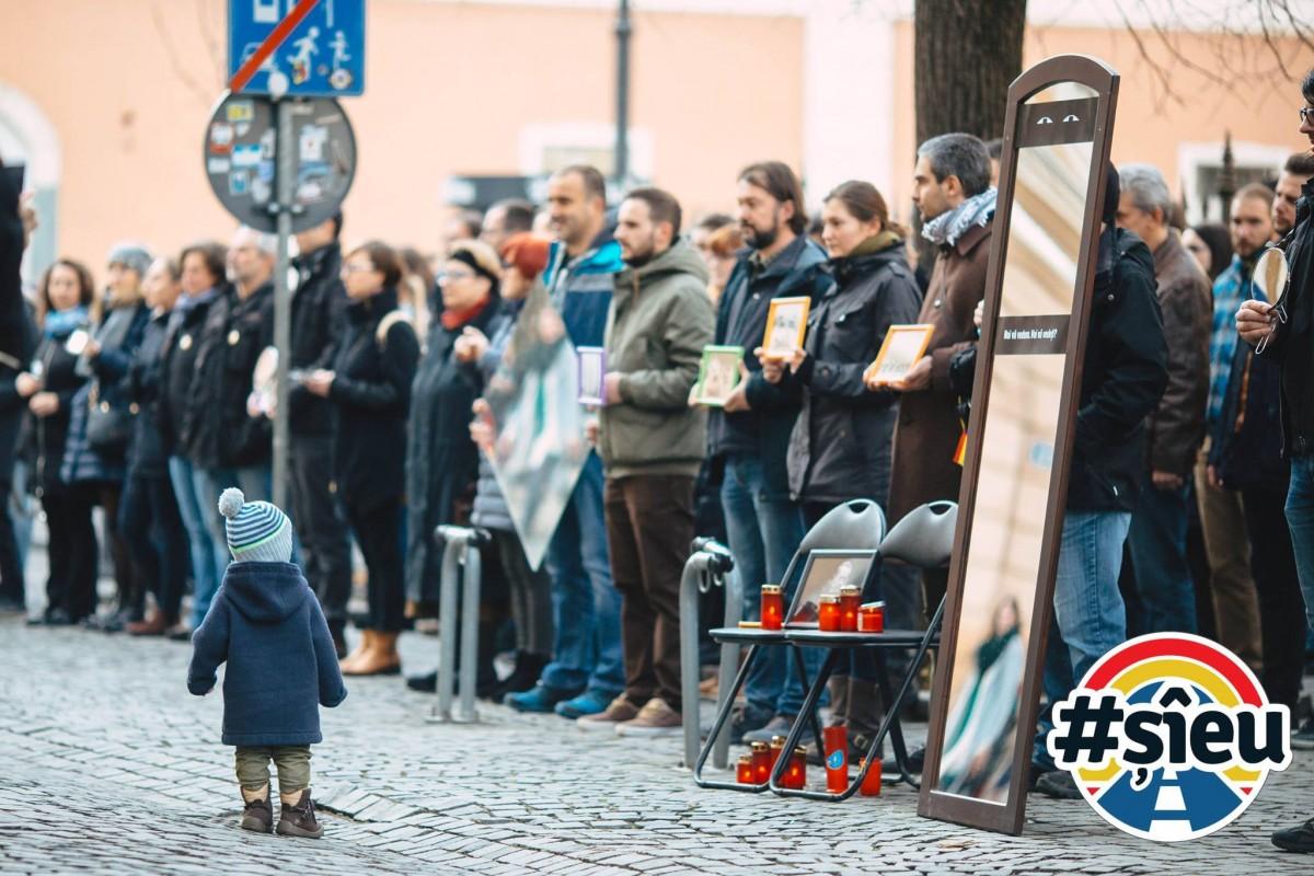 """#șîeu Primii sibieni care protestează pentru autostrăzi: """"la Sibiu, ne putem numi experți în această formă de protest"""""""