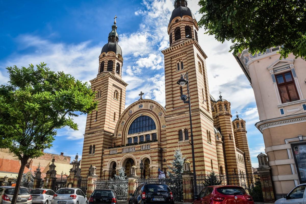 Cum va sărbători Biserica ortodoxă din Sibiu hramul Catedralei Mitropolitane