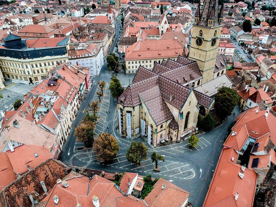 Schimbarea la față a Sibiului. Mașinile date afară definitiv din Piața Huet