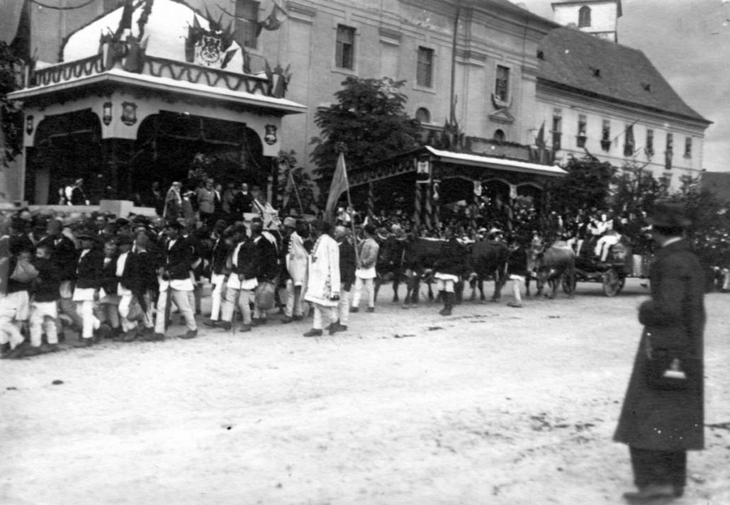 """Cum au fost întâmpinați la Sibiu regele Ferdinand și regina Maria în 1919. """"Am fost tratați aproape ca niște sfinți"""""""