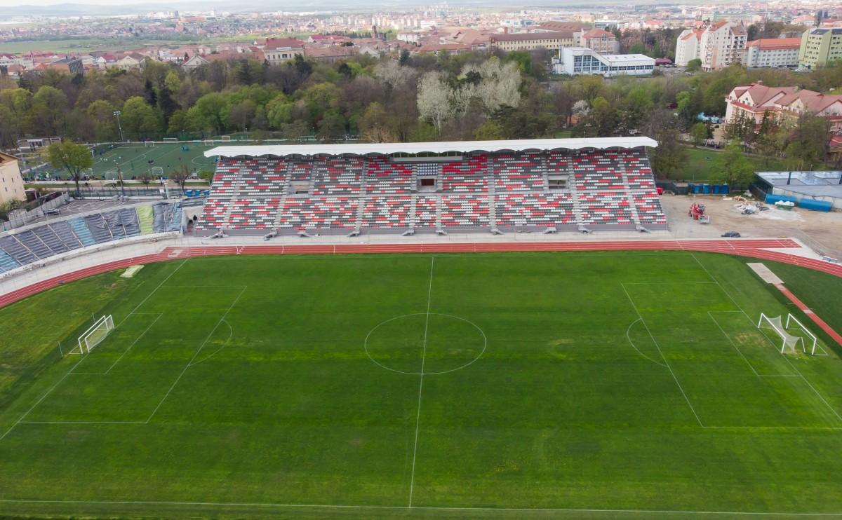 Primăria Sibiu lămurește situația stadionului: 5 oferte pentru schimbarea gazonului, restul lucrărilor se fac etapizat