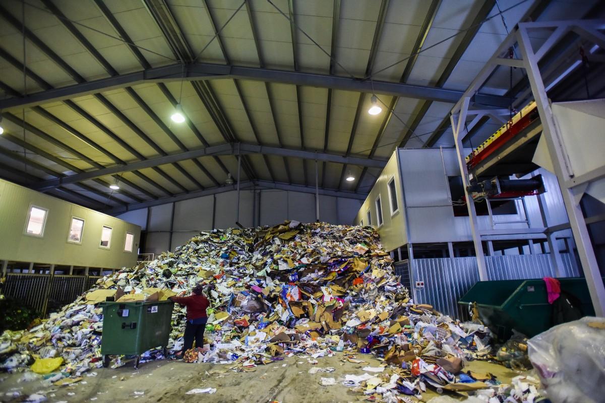 CJ Sibiu le cere ajutorul sibienilor în lupta cu Ministerul Mediului: Lăsați deșeurile în Sibiu!