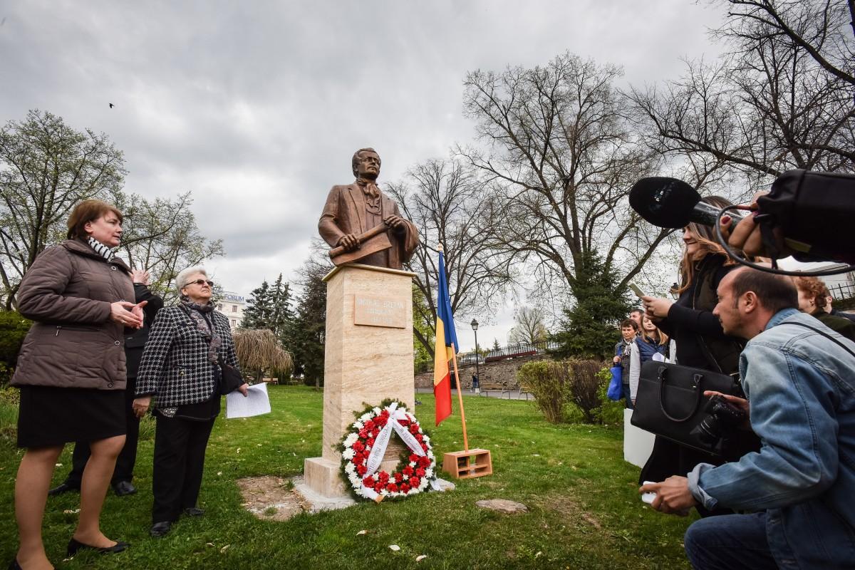 Sibiul are o nouă sculptură publică: bustul compozitorului Nicolae Bretan