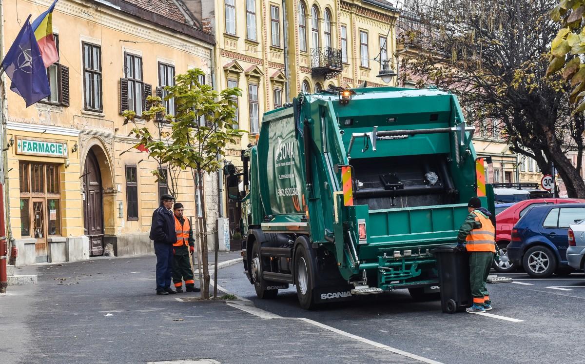 Se schimbă colectarea selectivă: pubele pentru plastic și la țară, pentru hârtie și în Sibiu plus amenzi de până la 40.000 de lei