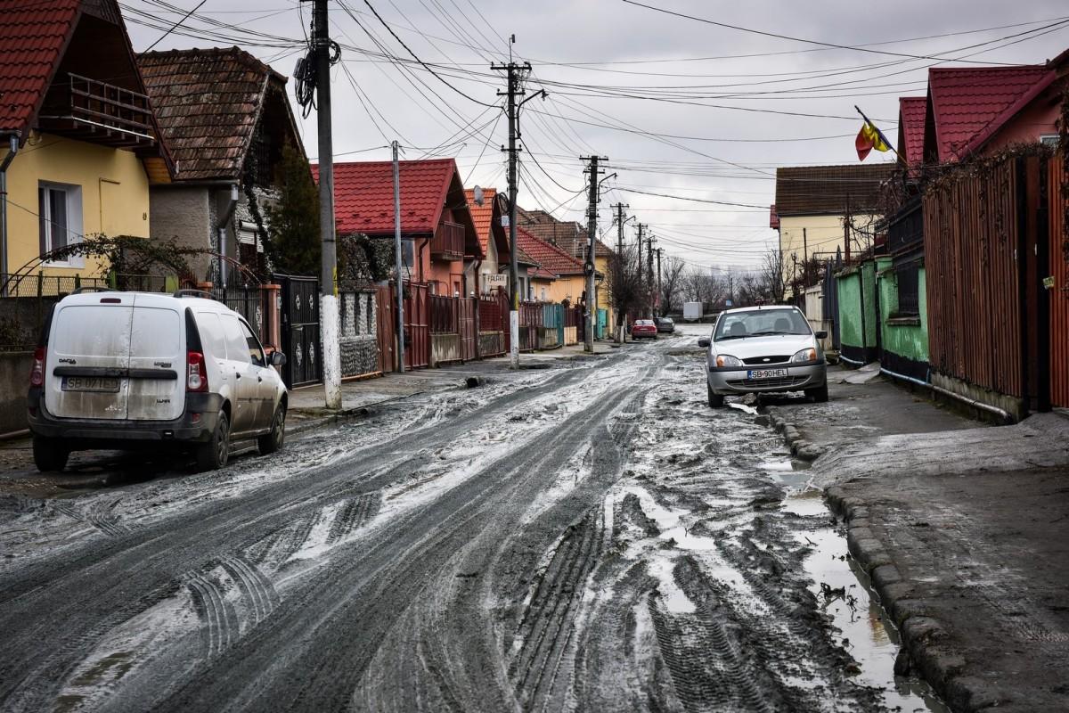 Încep lucrările de modernizare pe 17 străzi de pământ în zonele Lupeni, Marmeladă și Viitorului