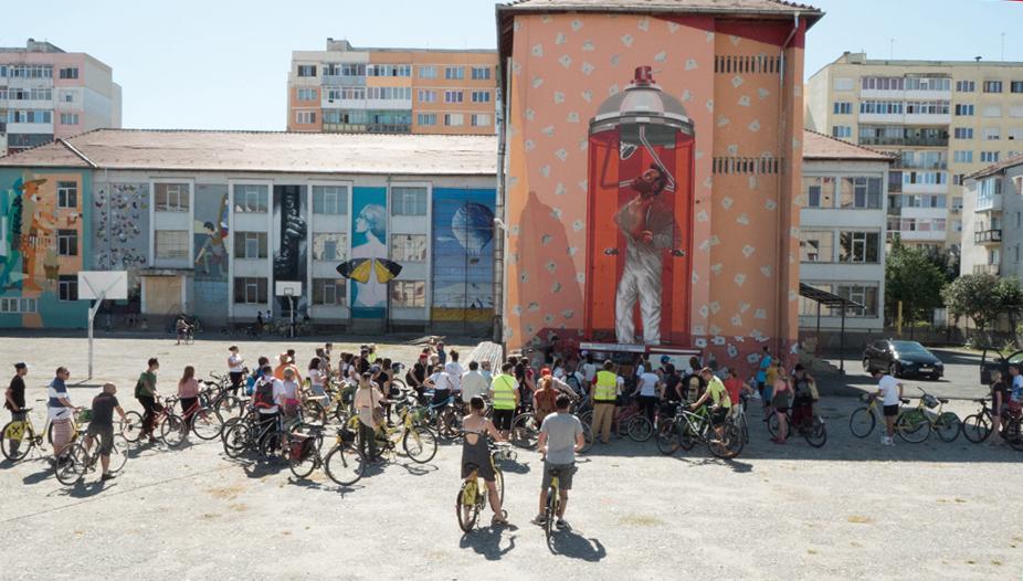 Sibiu StreetART Festival. Peste 100 de bicicliști au participat la Street Art Tour