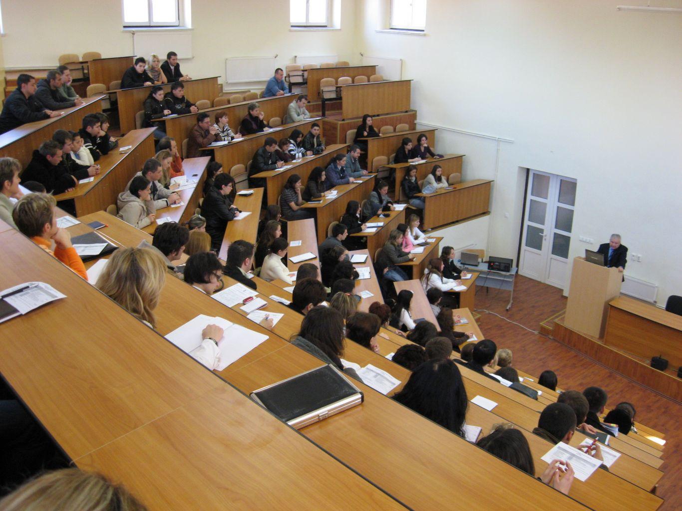 Cât costă să fii student în Sibiu. În cămin sau în chirie