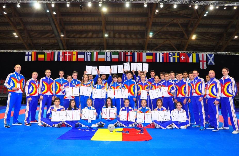 """Vicecampioni europeni pe buzunarul propriu: """"Mulţumim Elisabeta Lipă pentru NEsusţinere"""""""