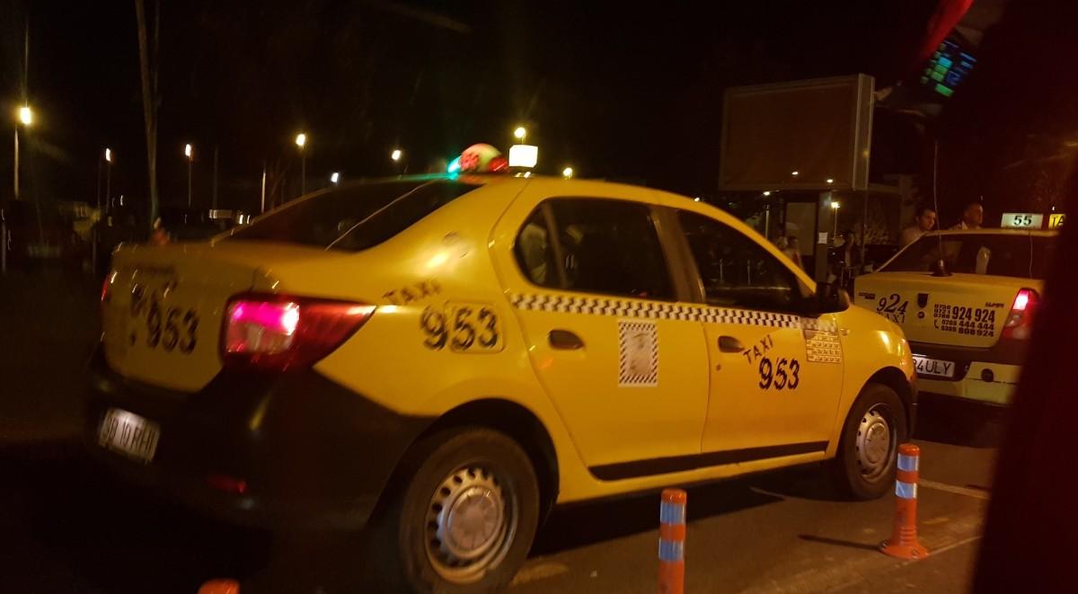 """VIDEO Inspectorii Primăriei au căutat """"taximetriștii-rechin"""". În trei luni n-au găsit niciunul"""