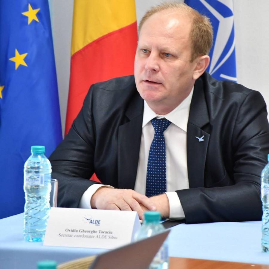 ALDE Sibiu: PNL și USR vor să fie înfășurați în staniol pentru a nu fi pătați, la fel ca președintele Iohannis