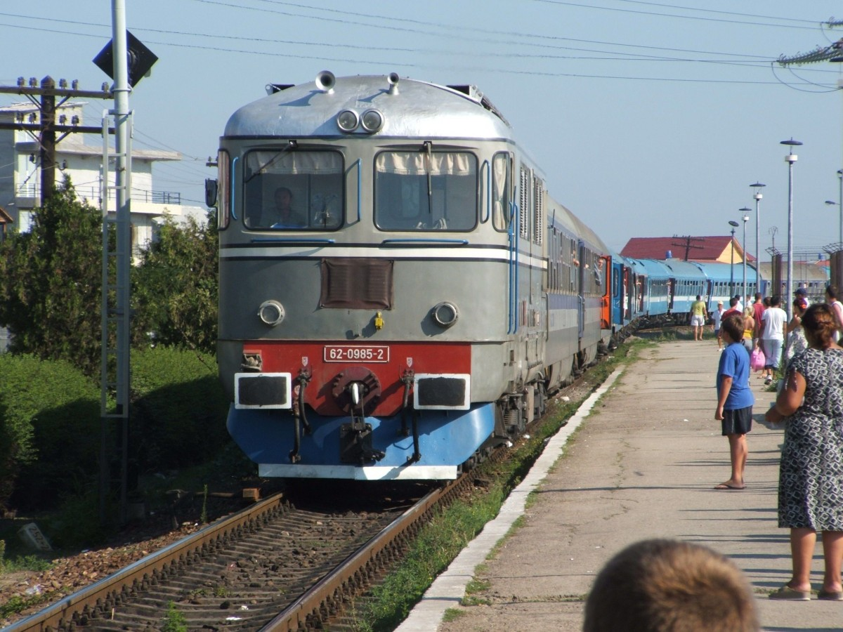 CFR introduce de astăzi Trenul Tineretului: Sibiu-Mangalia. Peste 13 ore, cu ocolire prin Slatina și bilet la 110 lei