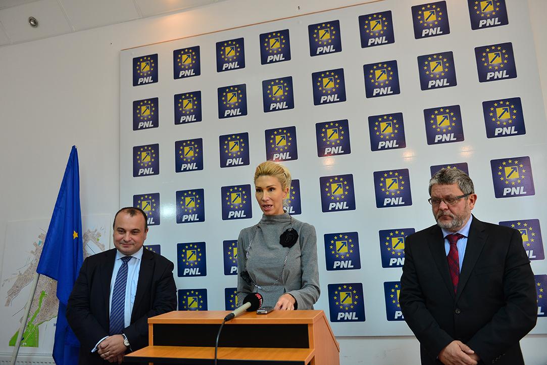 Turcan și Cazan au pus tunurile pe Dragnea și PSD: Un partid al pușcăriașilor!&;