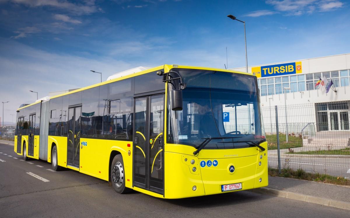 Primele 10 autobuze noi au ajuns la Sibiu. Vor fi prezentate mâine, în Piața Mare