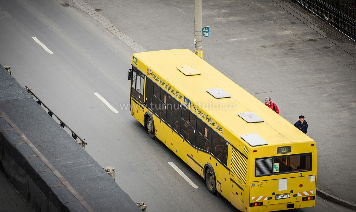 Cu cât credeți că puteți cumpăra un autobuz vechi de la Tursib? Sunt 44 scoase la vânzare