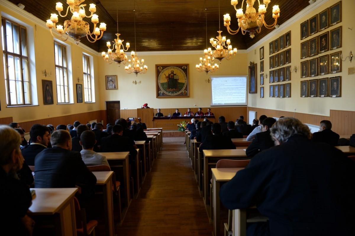 Noutăți la Teologie: Locuri speciale pentrucine vrea să se facă preot la Sibiu