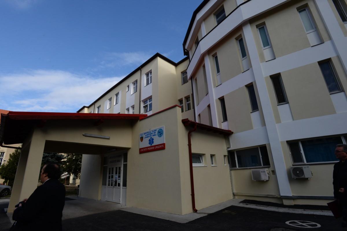 Managerii spitalelor vor avea program între 8.00 şi 16.00 şi nu pot face parte din conducerea unui partid