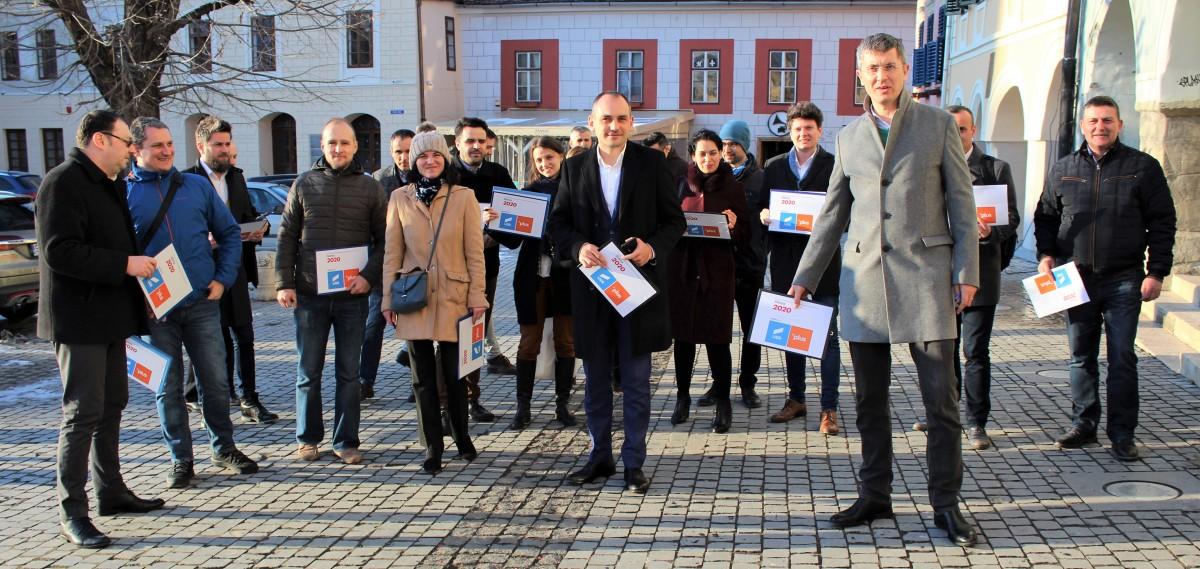 Președintele USR Dan Barna, Nicu Ștefănuță, candidat euro USR PLUS și USR Sibiu vă doresc Sărbători Pascale Fericite!