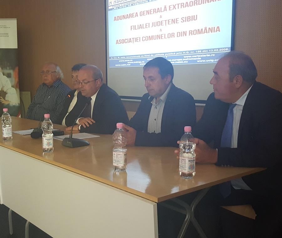 """Primarii din comunele Sibiului s-au """"re-asociat"""": """"va prima colegialitatea, nu factorul politic"""""""