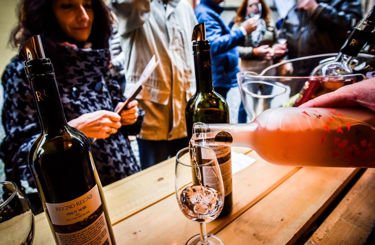 Începe VINFEST: Vinuri de soi, festin culinar și concerte de jazz