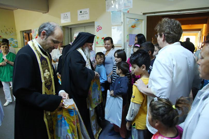 Copiii de la Spitalul de Psihiatrie din Sibiu au fost vizitaţi de PS Episcop Ilarion Făgărăşanul