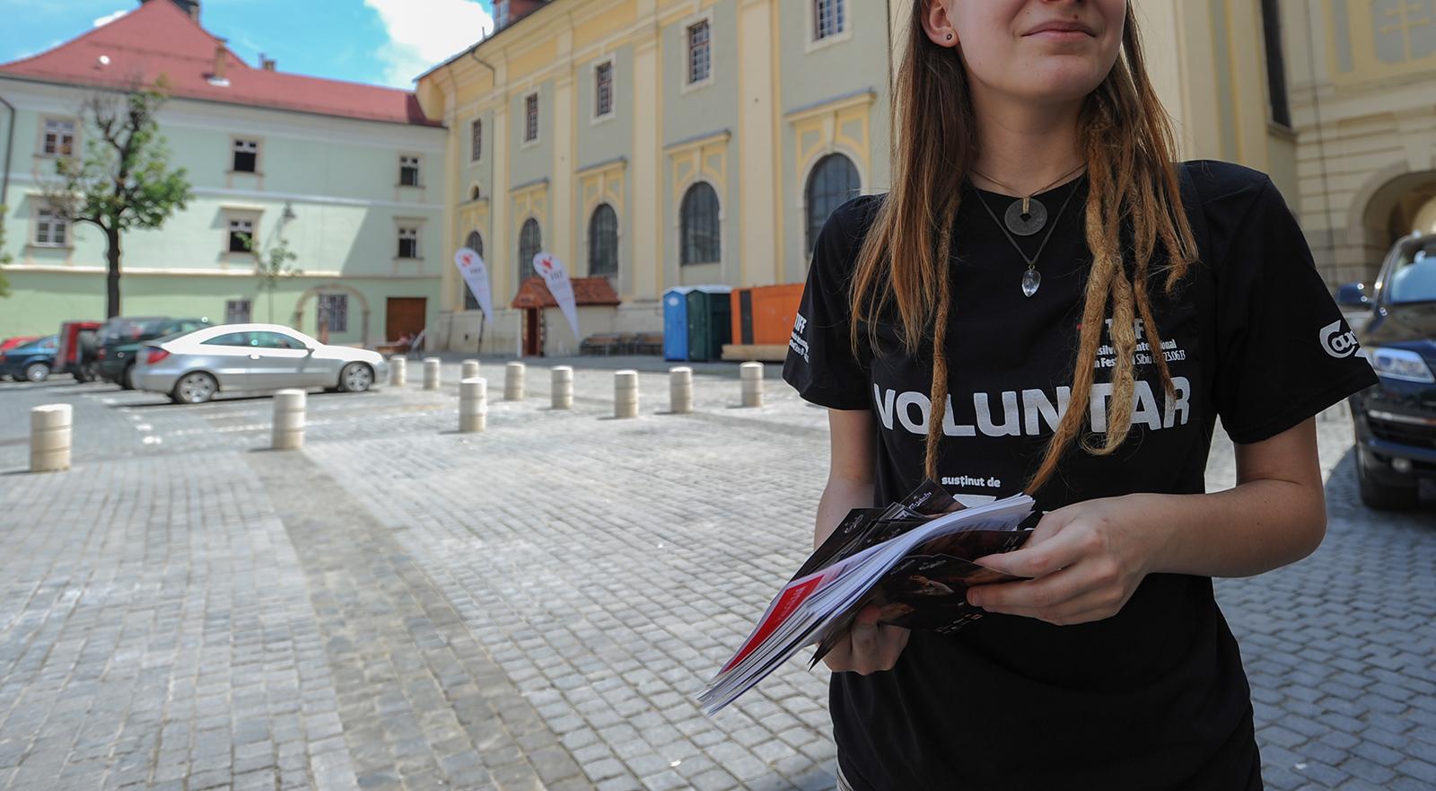 Sunt căutați cei mai buni voluntari ai Sibiului