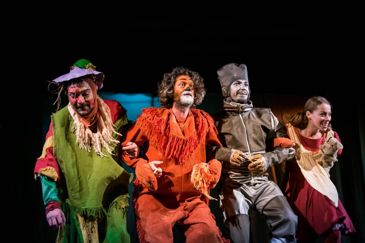 Dorothy, Harap Alb și Rapunzel își dau întâlnire la Teatrul Gong