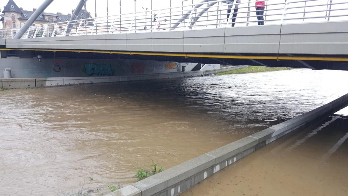 Cod portocaliu de inundații pe râul Cibin, începând de luni