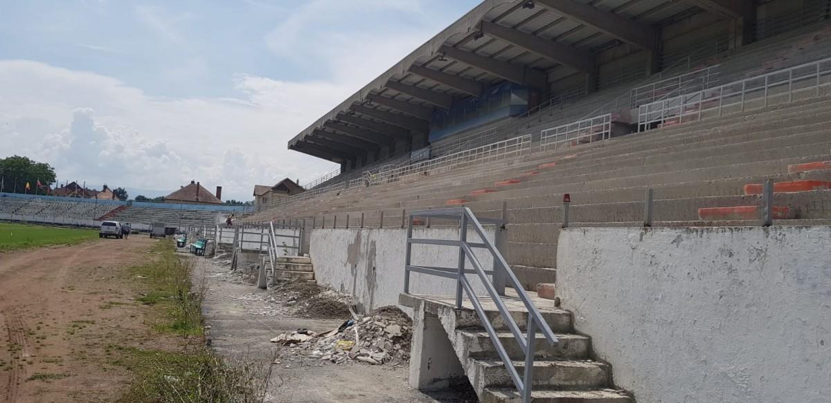 FOTO-VIDEO Cum evoluează lucrările la Stadionul Municipal din Sibiu