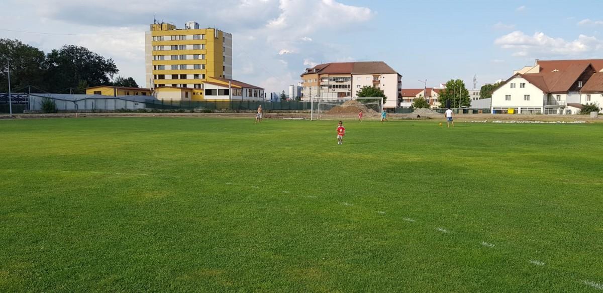 """Stadionul va fi gata într-o lună. """"Vrem să aducem echipa națională la Sibiu"""""""