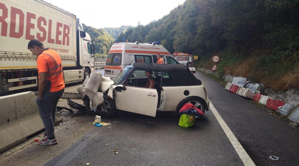 FOTO - Val neobișnuit de accidente pe Valea Oltului, în exact același loc
