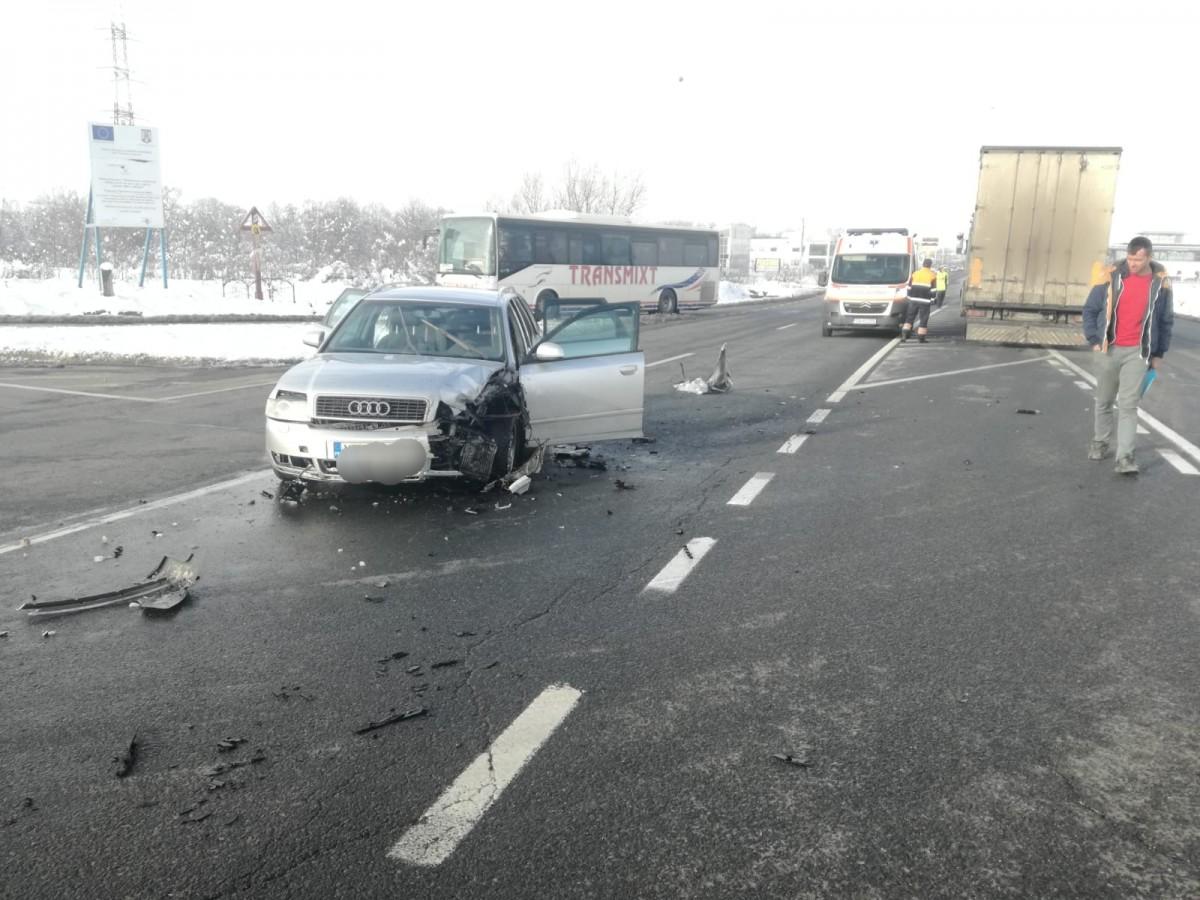 Doi copii au fost răniți într-un accident, aproape de Cisnădie