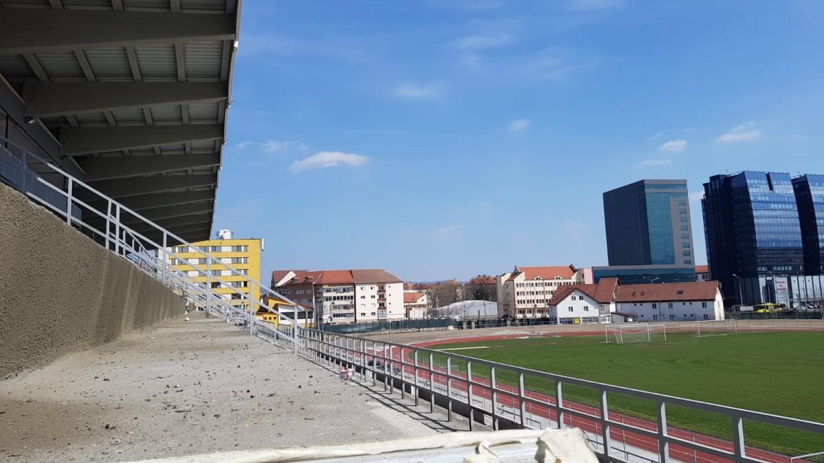 GALERIE FOTO-Cum arată stadionul din Sibiu, la aproape două săptămâni de când trebuia inaugurat. A doua oară