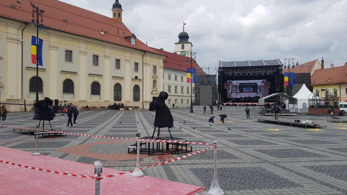 Spectacol Delia și Junii Sibiului, în Piața Mare, la finalul Summit-ului