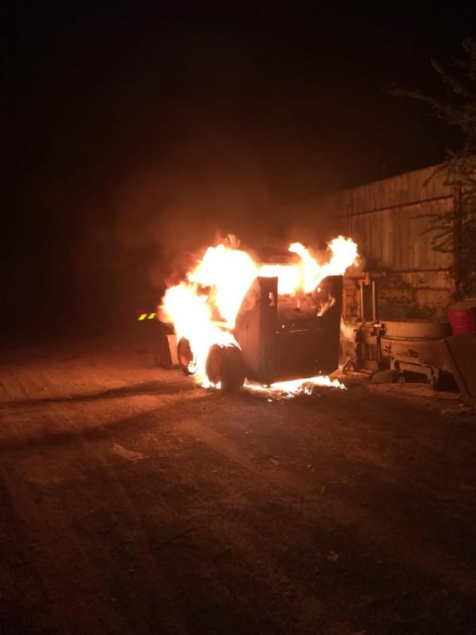Incendiu la o fostă fabrică din Mediaș. Focul a pornit de la un utilaj