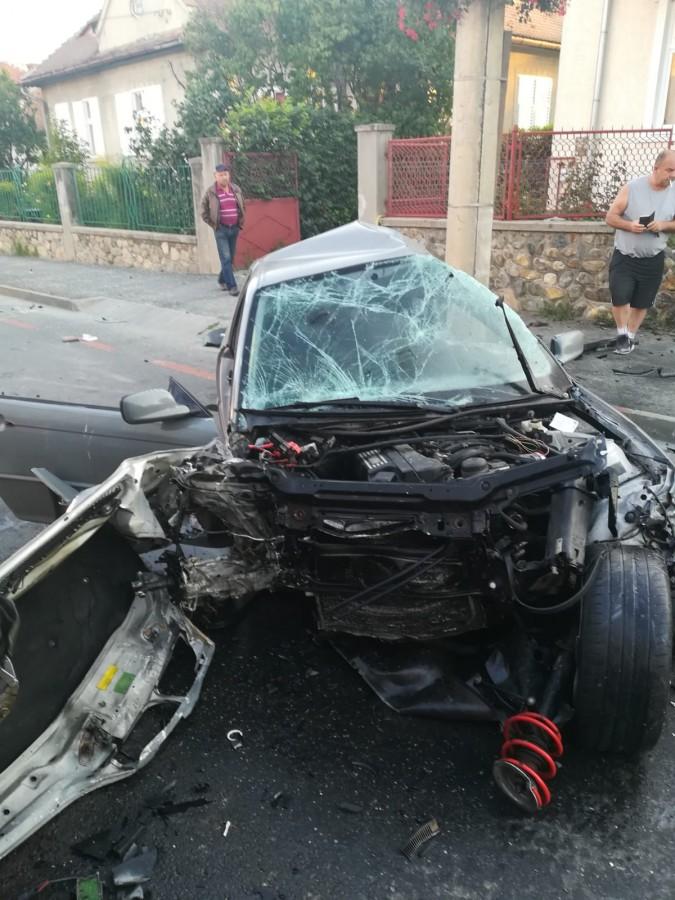 Grav accident în lanț pe str. Bâlea: 4 victime, între care una încarcerată