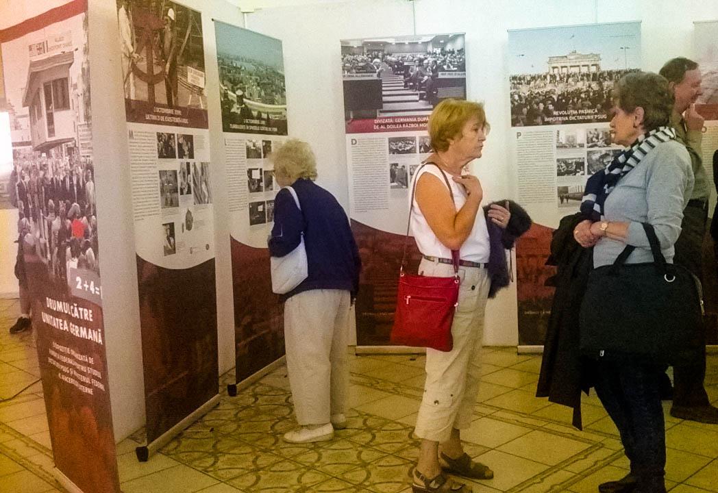"""25 de ani de la reunificarea Germaniei sărbătoriţi prin expoziţia """"Drumul către Unitatea Germană"""""""