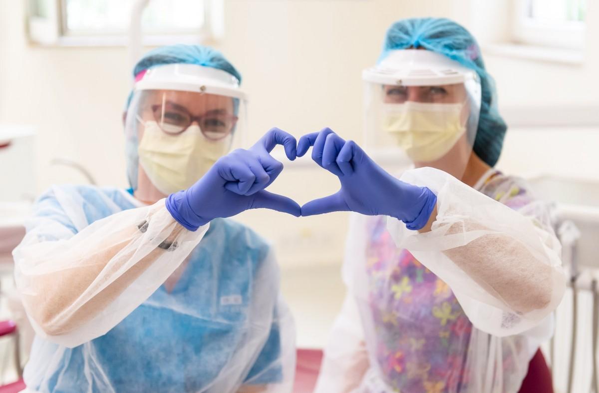 Siguranța din spatele unui zâmbet sănătos. Standardele de protecție și sterilizare din clinicile DENT ESTET