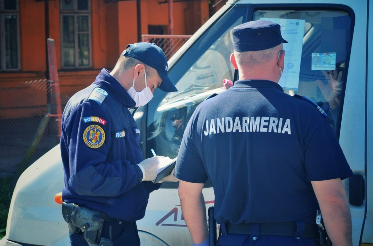 Jandarmeria Română:Declarația pe propria răspunderepentru deplasarea între localități poate fi scrisă și de mână