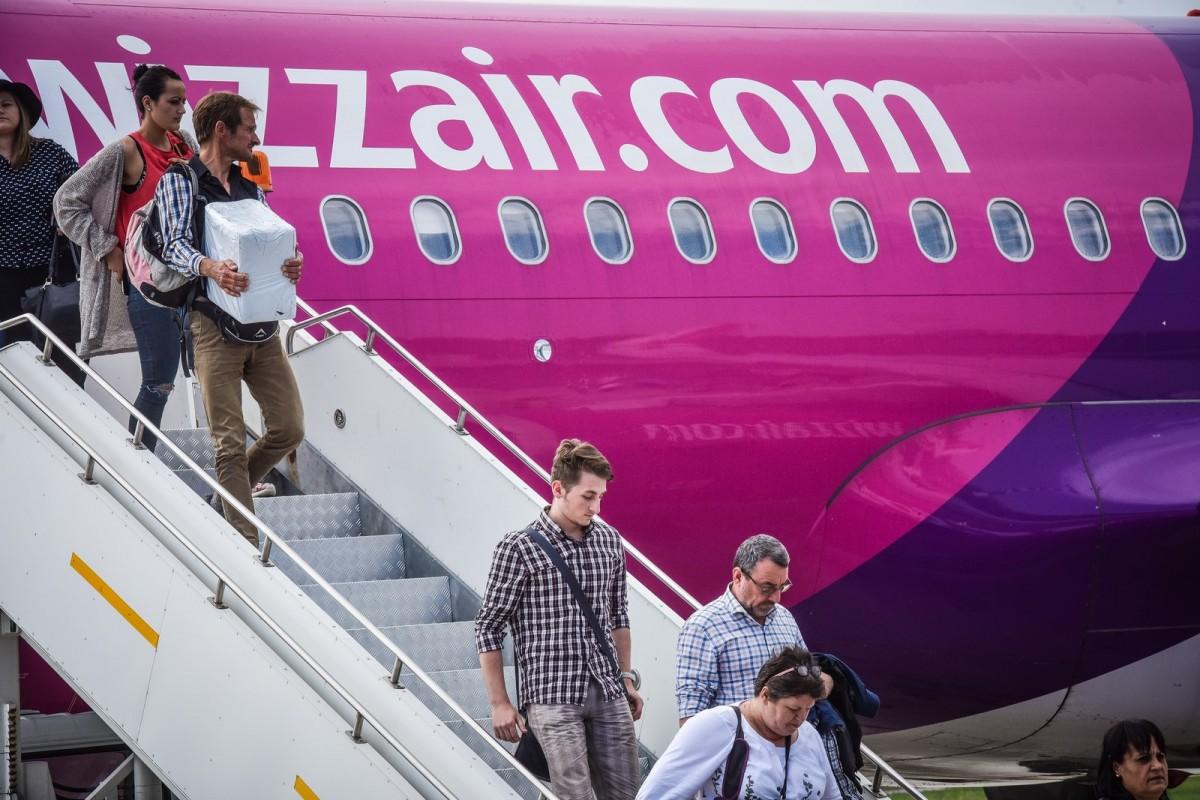 Wizz Air: Majoritatea zborurilor din și spre România rămân suspendate
