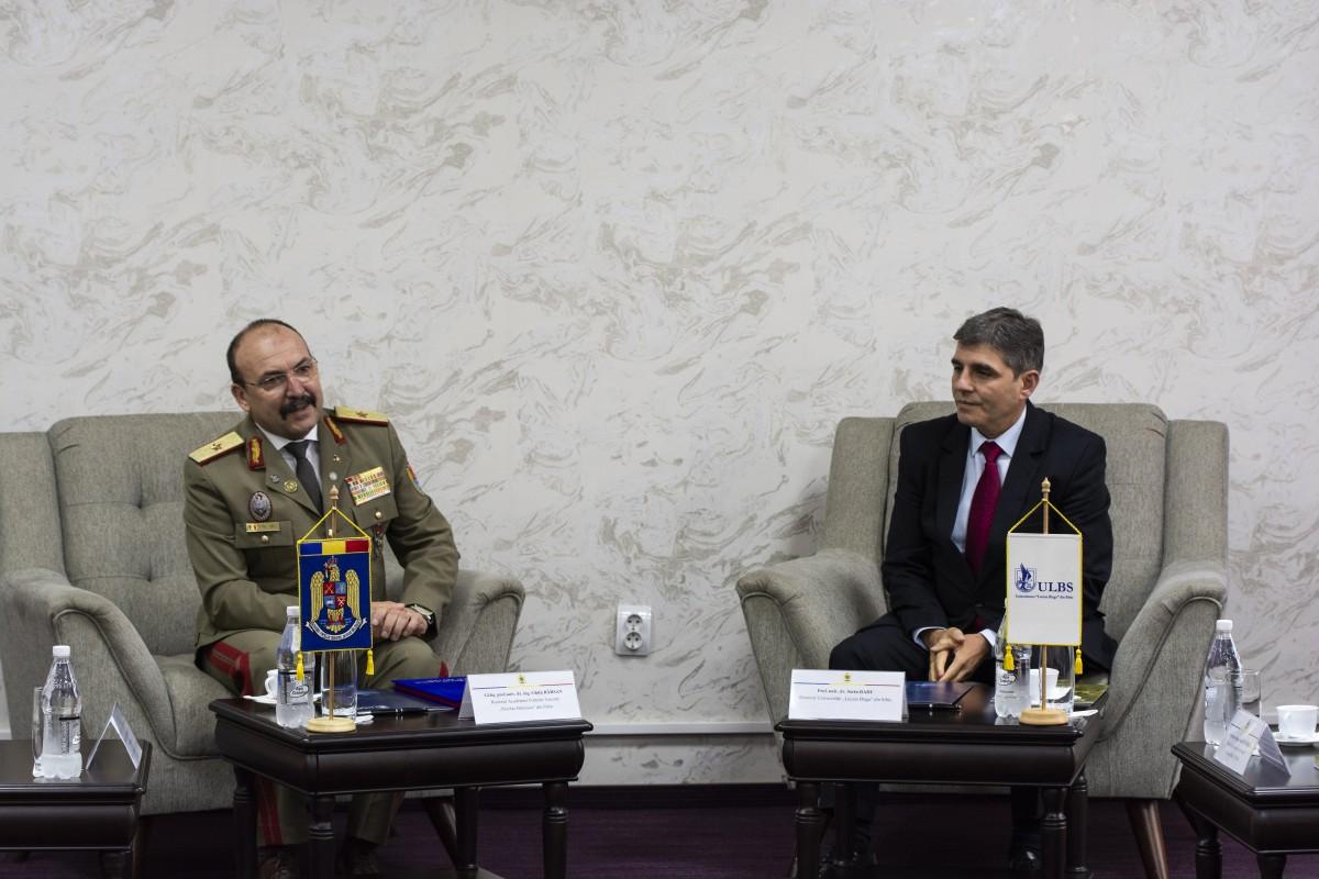 Academia Forțelor Terestre și ULBS au reînnoit parteneriatul, de Ziua Eroilor